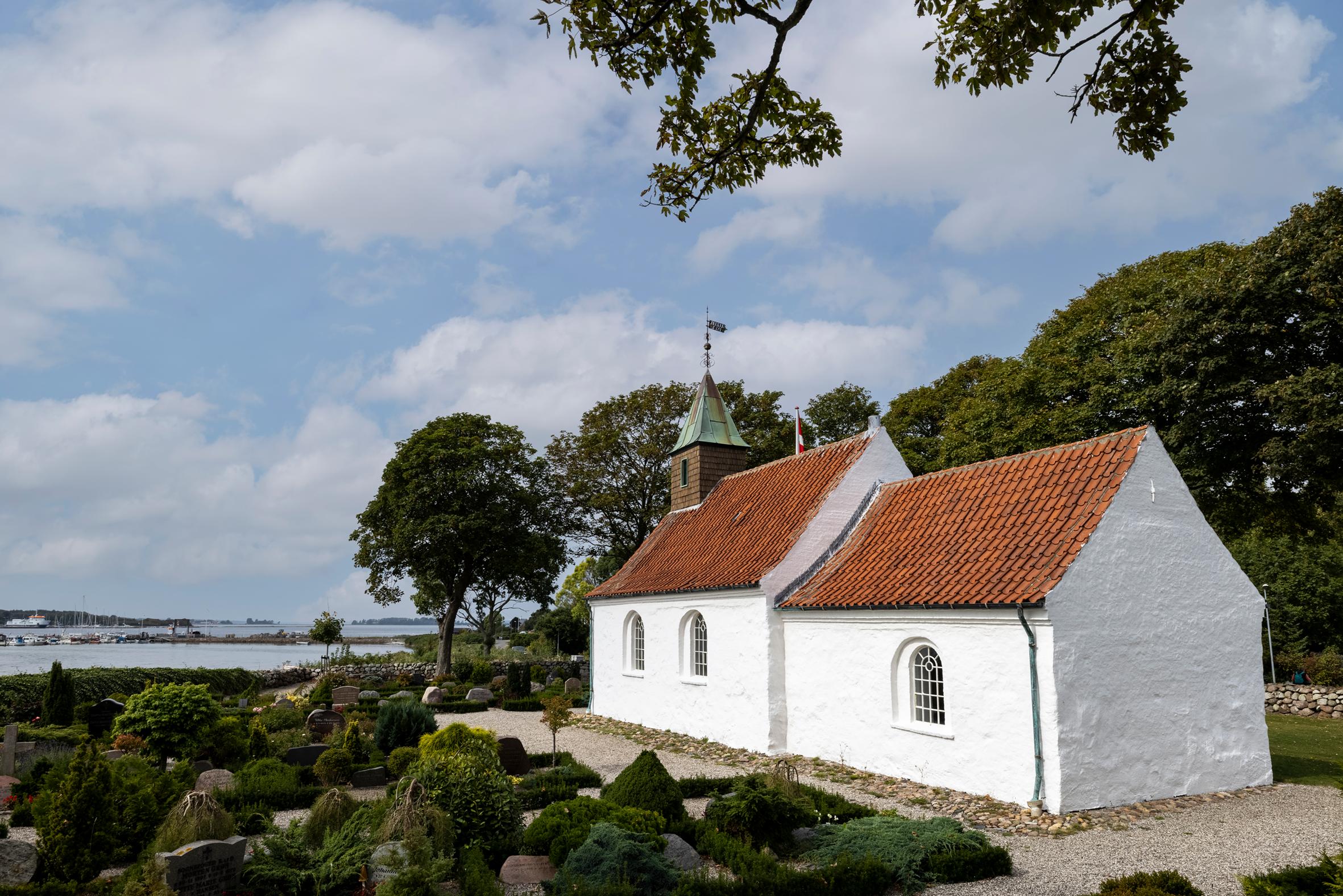Hjarnø Kirke